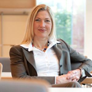 Dr. Cornelia Schödlbauer